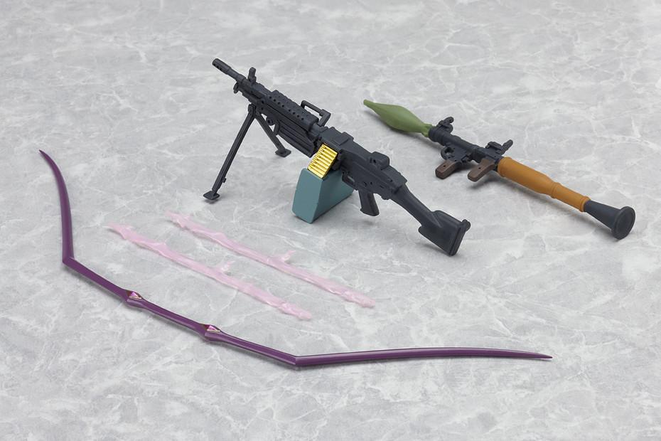 付属のオプションパーツ。武器多数。