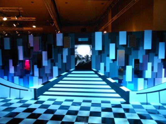 青く美しい展示物