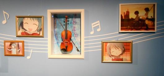上条の使っていたヴァイオリンが展示されている