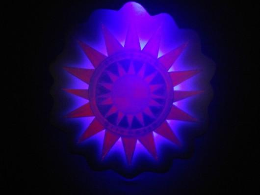 紫色に変化